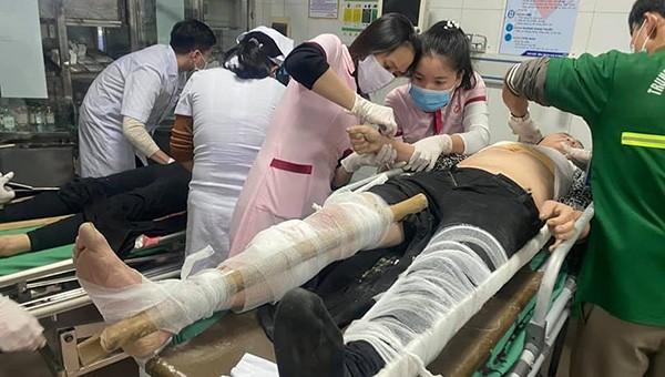 Sự cố rơi thang tời ở công trình Sở Tài chính Nghệ An: Danh tính 11 công nhân gặp nạn