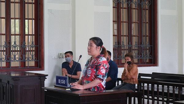 Bị cáo Trần Thị Thu lĩnh 18  tù vì lừa đảo