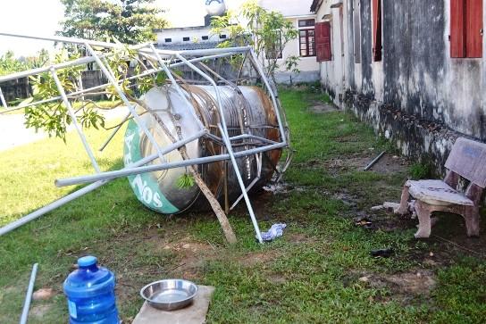 Bồn nước Sơn Hà đè chết 2 học sinh tiểu học