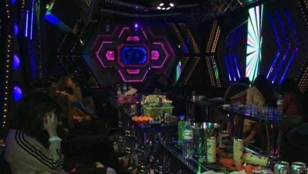 """Nam Định: Khởi tố lễ tân, chủ quán karaoke XO vì tổ chức """"tiệc ma tuý"""""""