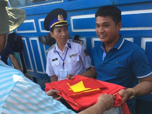 Tình người giữa biển khơi kỳ cuối: Từ nạn nhân của hải cảnh nước ngoài đến ân nhân cứu mạng 32 ngư dân Trung Quốc