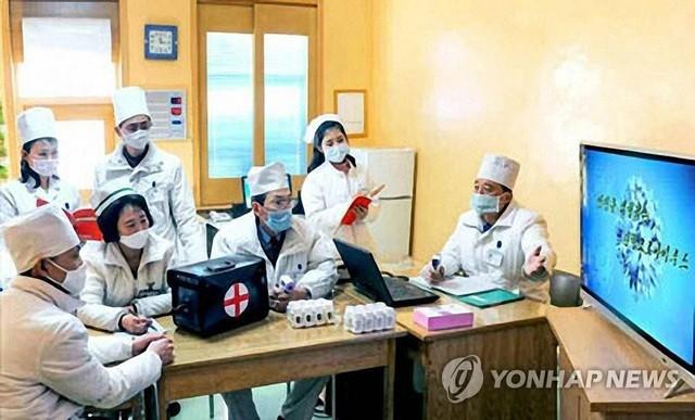 """""""Sát vách"""" hai tâm dịch, Triều Tiên khai triển hàng loạt biện pháp cứng rắn"""