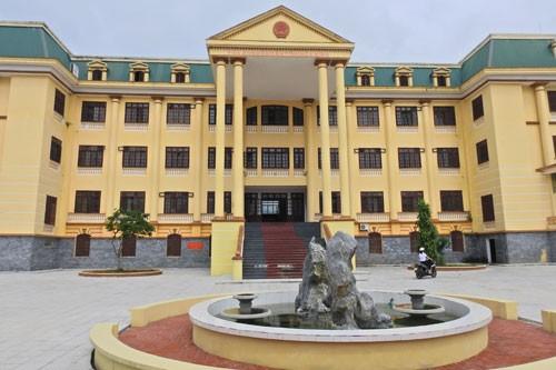 TAND tỉnh Hòa Bình tuyên hủy 13 quyết định của chính quyền trong một vụ án hành chính