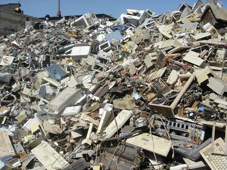 INTERPOL nói không với tội buôn bán rác điện tử trái phép - Luật Việt Nam vẫn lỏng lẻo
