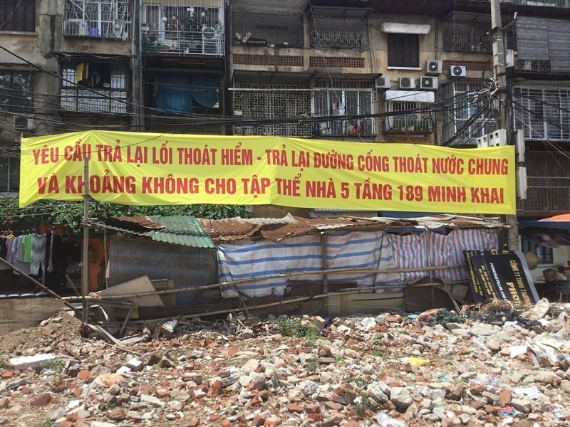 """Phường Minh Khai, Hà Nội: Người dân """"tố"""" chính quyền cấp sổ đỏ trên đất lưu không"""