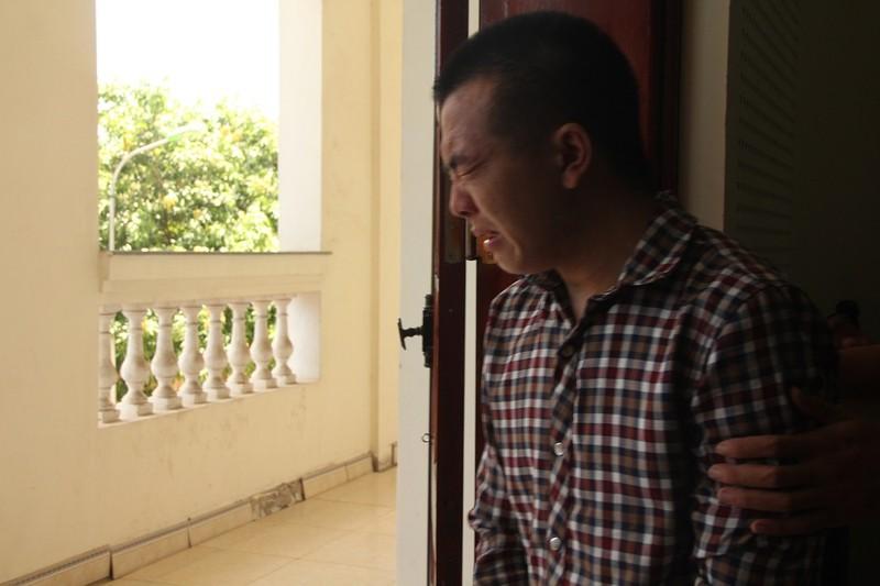 Đối diện án tử, 3 người ngoại quốc bật khóc, xin được sống