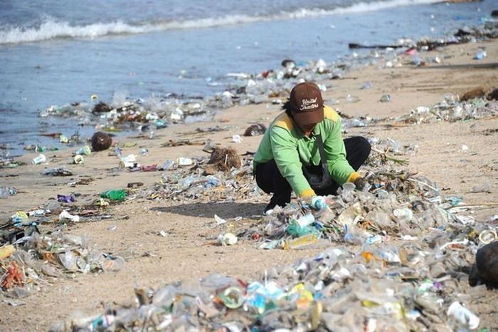 Ô nhiễm rác nhựa: Đừng đổ tại bao bì