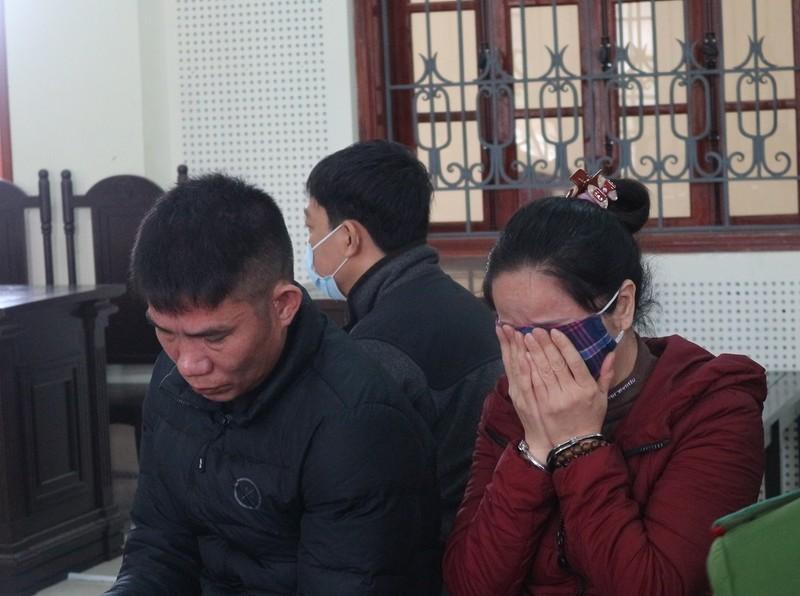 Vợ chồng buôn ma túy bật khóc giữa tòa vì câu nói của con gái 4 tuổi