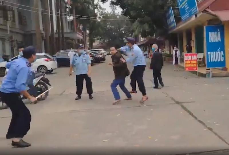 Công an vào cuộc vụ ẩu đả giữa bảo vệ BVĐK tỉnh Tuyên Quang và người khám bệnh vì không đeo khẩu trang