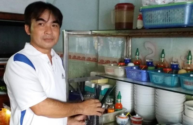 Ông Lê Minh Thoa - Chủ quán phở Trường Sa.