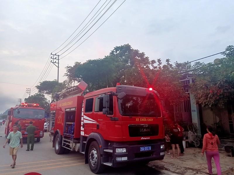 Cháy lớn tại xưởng tập kết phế liệu