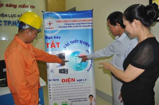 EVNNPC đã tư vấn sử dụng điện tiết kiệm hơn 32 nghìn lượt đến khách hàng