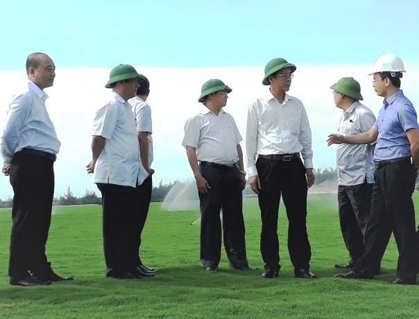 Lãnh đạo Tỉnh ủy, UBND tỉnh Quảng Bình kiểm tra khu ươm cỏ sân golf của Tập đoàn FLC tại Quảng Bình