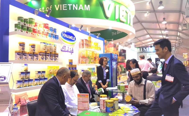Doanh nghiệp Việt Nam giao thương tại Trung tâm thương mại thế giới Dubai (UAE)