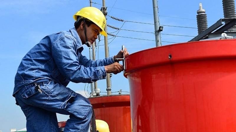 Ngành điện TP HCM đang nỗ lực phục vụ khách hàng.