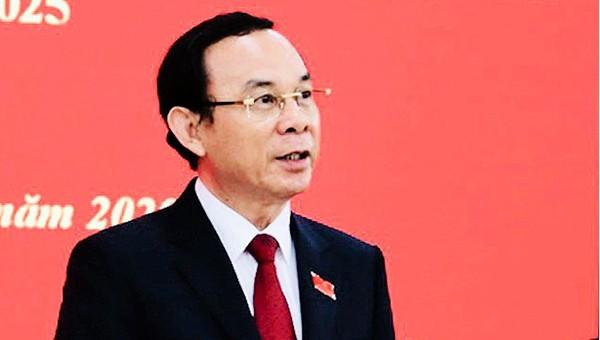 Đồng chí Nguyễn Văn Nên chia sẻ tại buổi họp báo.