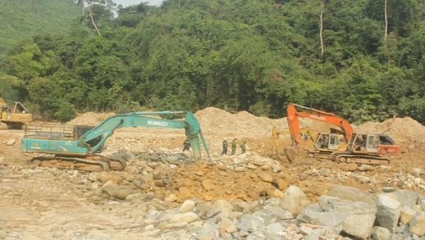 Dốc toàn lực tìm kiếm các công nhân mất tích tại khu vực lòng sông Rào Trăng 3
