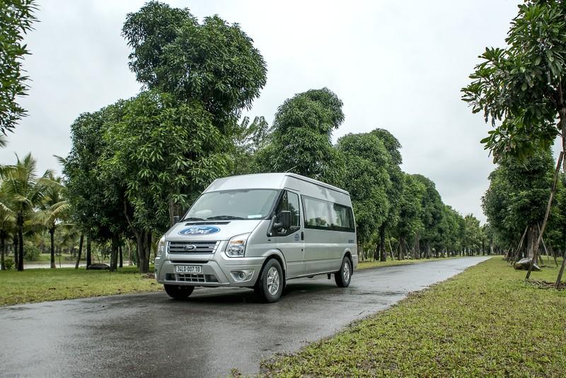 Mua Ford Transit mới  trong tháng 1/2019 được giảm giá và tặng gói bảo hành 5 năm