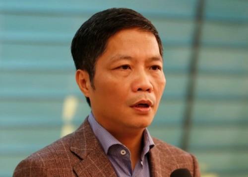 Bộ trưởng Công Thương xin lỗi vì 'xe biển xanh vào sân bay đón người thân'