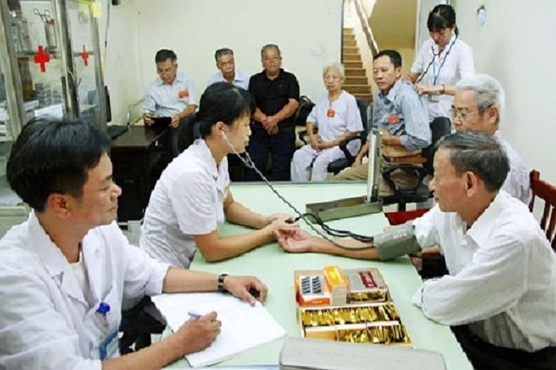 Chăm sóc sức khỏe cho người có công tại Trung tâm Nuôi dưỡng và Điều dưỡng người có công Hà Nội.