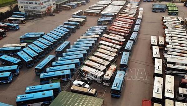 Bắt giữ ô tô chở 16 khách từ Hà Nội về Nam Định