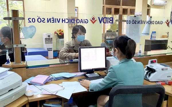 Các ngân hàng đảm bảo hoạt động liên tục, đáp ứng giao dịch của người dân và doanh nghiệp.