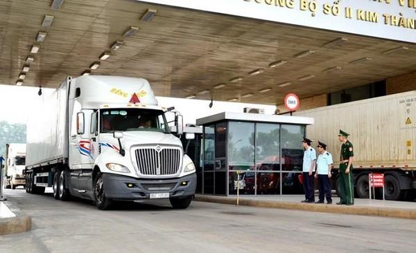 """Lào Cai: Xuất nhập khẩu hàng hóa theo nguyên tắc """"cố định người không cố định xe""""  """