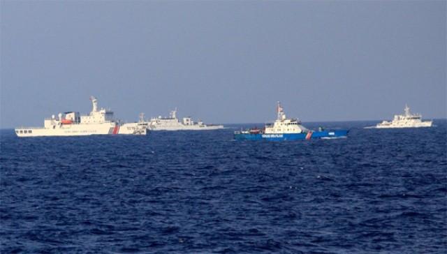Trung Quốc tăng thêm tàu quanh khu vực giàn khoan