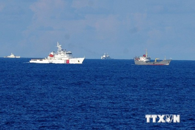 Trung Quốc tổ chức một số lượng lớn các tàu để ngăn cản tàu chấp pháp của Việt Nam làm nhiệm vụ.