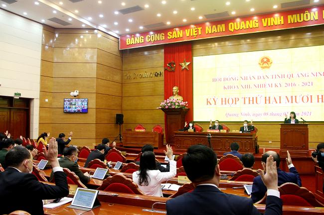 Quảng Ninh dành nguồn lực tiêm vắc-xin Covid-19 cho toàn dân.