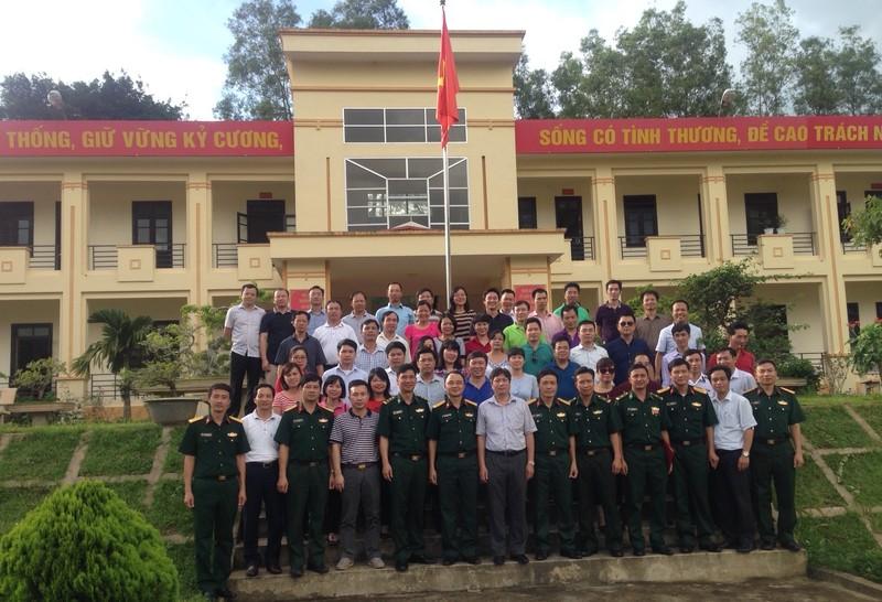 Lớp Cao cấp Lý luận chính trị K66-B5 thăm và làm việc tại Đồn Biên phòng Mường Mươn