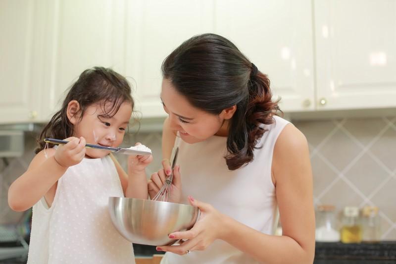 Con gái chịu rất nhiều ảnh hưởng từ sự dạy dỗ của mẹ