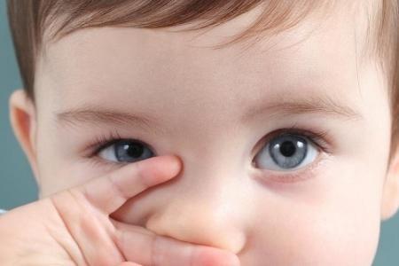 Nhìn mắt có thể đoán được bệnh của trẻ