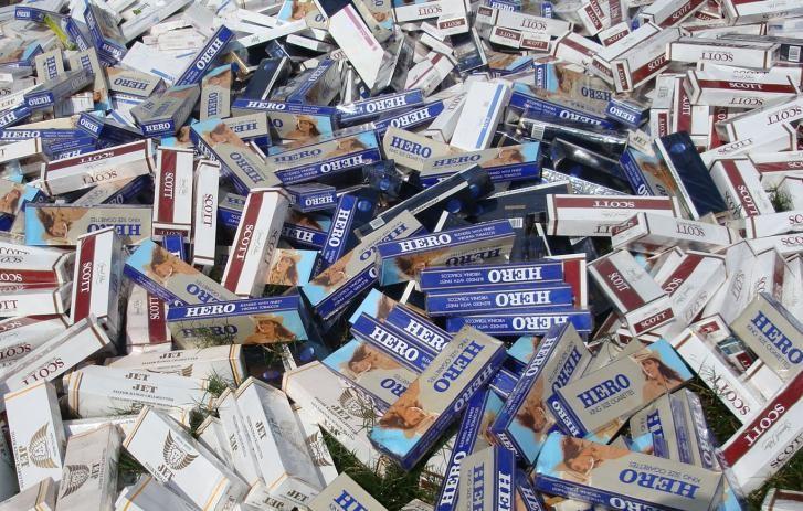Tái xuất thuốc lá điếu nhập lậu: Lợi bất cập hại!