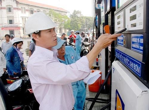 Giá xăng lại tăng từ 15h chiều nay