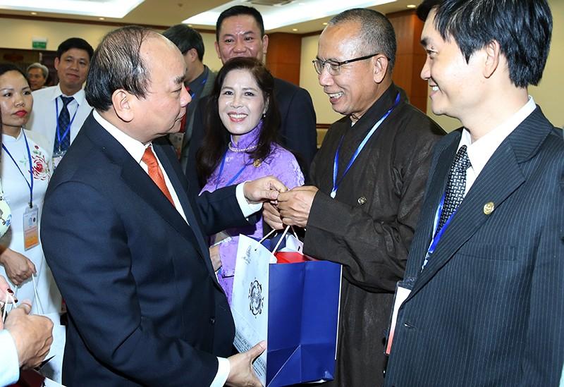 Thủ tướng lắng nghe doanh nhân Việt Kiều hiến kế phát triển đất nước