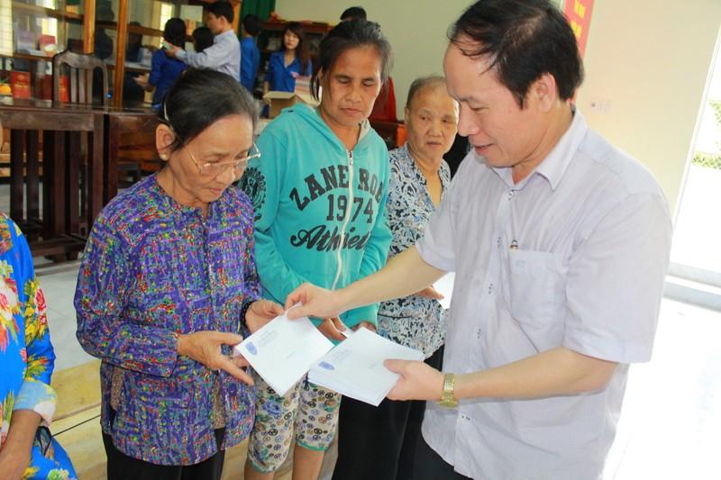 Bộ Tư pháp đưa pháp luật tới hộ nghèo ở Trà Vinh