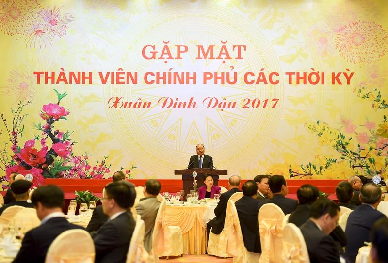 Phát biểu tại cuộc gặp mặt, thay mặt Chính phủ, Thủ tướng Nguyễn Xuân Phúc bày tỏ vui mừng, cảm ơn các đồng chí lãnh đạo, nguyên lãnh đạo qua các thời kỳ