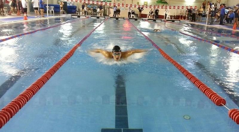Cô Ana María Canaval Landázuri hạnh phúc khi thực hiện ước mơ bơi lội
