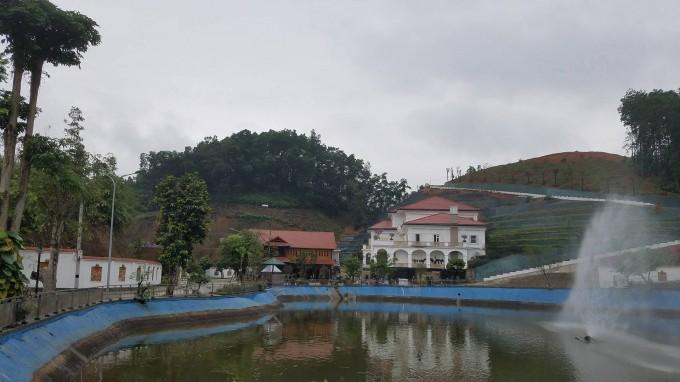 Khu dinh thự tiền tỷ của gia đỉnh ông Phạm Sỹ Qúy.
