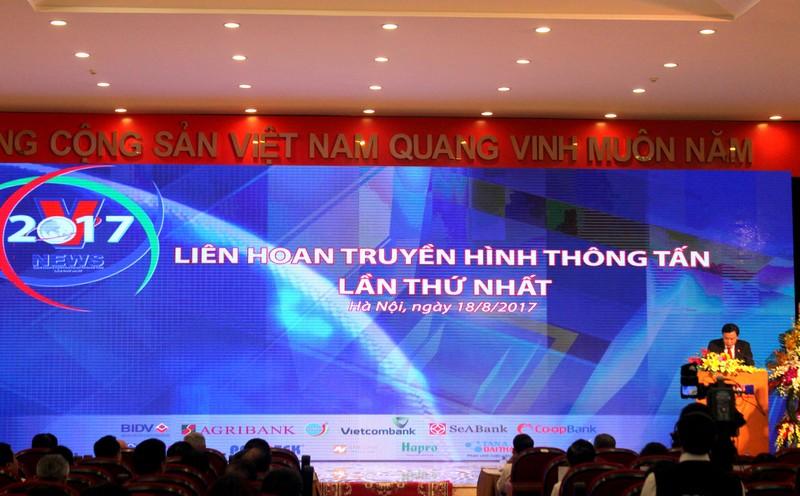 Tân Á Đại Thành tặng 20 máy lọc nước R.O tại Liên hoan Truyền hình Thông tấn