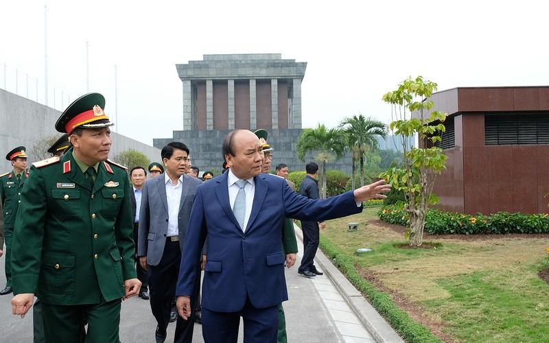 Thủ tướng làm việc với Ban Quản lý Lăng Chủ tịch Hồ Chí Minh