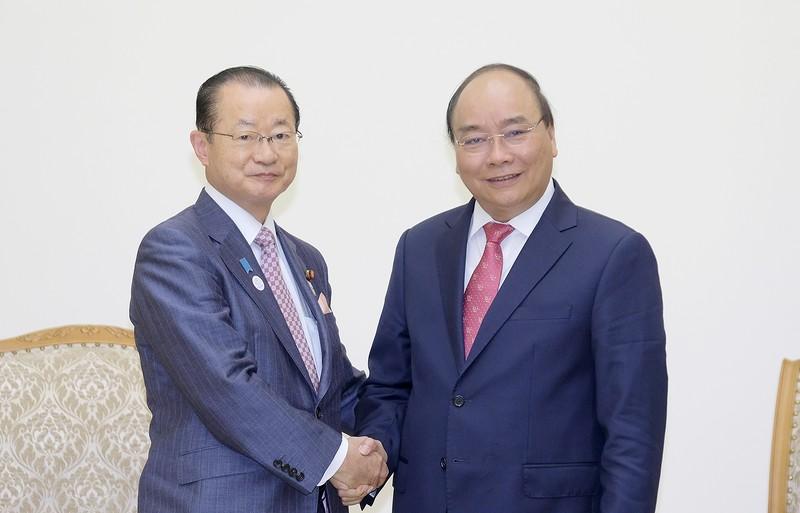 Thủ tướng Nguyễn Xuân Phúc và Chủ tịch Ủy ban Ngân sách của Hạ viện Nhật Bản Kawamura Takeo