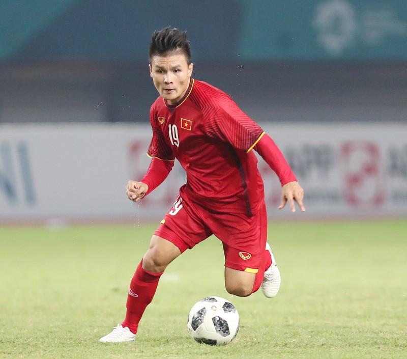 Cầu thủ Quang Hải sẽ cùng SHB đón Cúp Ngoại hạng Anh và Cúp Liên đoàn Anh
