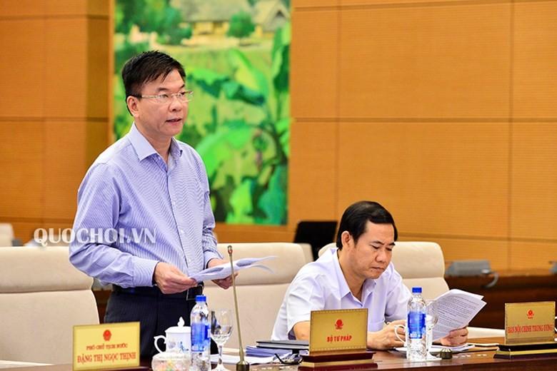 Bộ trưởng Bộ Tư pháp Lê Thành Long phát biểu tại Phiên họp