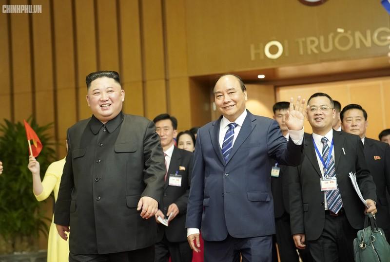 Chủ tịch Kim Jong-un hội kiến Thủ tướng Chính phủ Nguyễn Xuân Phúc