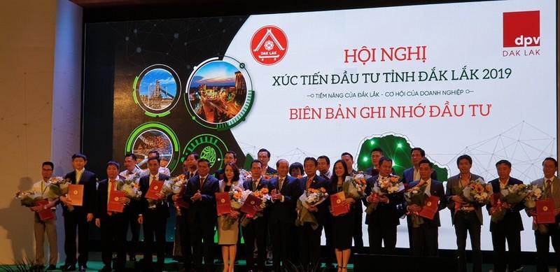 Tập đoàn FLC ký bản ghi nhớ đầu tư Dự án Tổ hợp Du lịch sinh thái 10.000 tỷ đồng tại Đắk Lắk