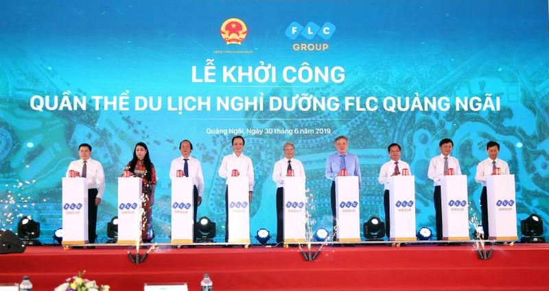 Các lãnh đạo cấp cao T.W và lãnh đạo tỉnh Quảng Ngãi nhấn nút khởi công Quần thể du lịch nghỉ dưỡng FLC Quảng Ngãi