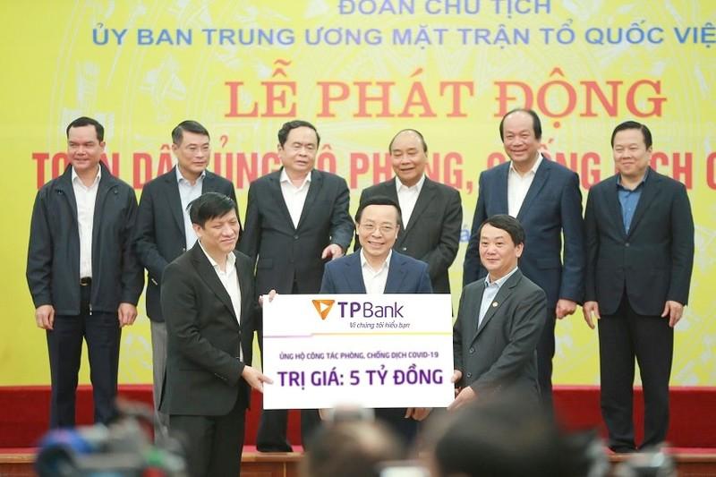 Ông chủ TPBank ủng hộ 10 tỷ góp sức đẩy lùi Covid-19