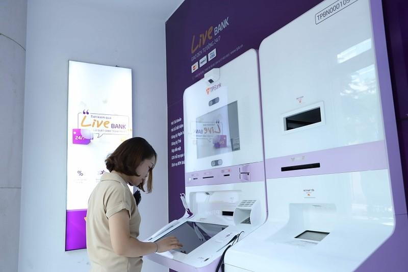 TPBank LiveBank ghi dấu ấn với giải thưởng Ngân hàng tự động xuất sắc nhất